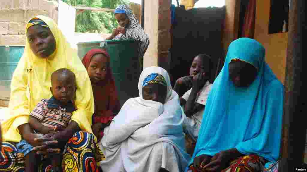 'Yan gudun hijira, wadanda suka gujewa hare-haren 'yan Boko Haram, a Wurojuli, a jihar Gombe, 2 ga Satumba 2014.