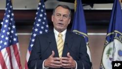 美国众议院议长贝纳周四在国会山的记者会上