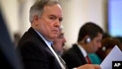 Los representantes estadounidenses pidieron la revocación de la visa del embajador de Venezuela en la OEA, Roy Chaderton.