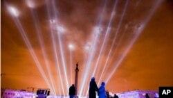 러시아 상트페테르부르크 드보르초바야 광장에서 새해을 맞이하는 빛 공연이 펼쳐지고 있다.