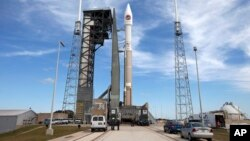 The United Launch Alliance Atlas V rocket and Orbital ATK Cygnus spacecraft stack sits on the launch pad at Cape Canaveral Air Force Station in Cape Canaveral, Florida, March 21, 2016.