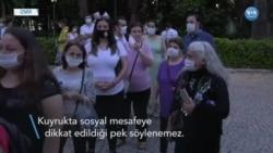 İzmir'de Corona Önlemleri Altında Nükhet Duru Konseri