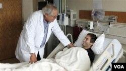 La ley daría seguro médico a 32 millones de estadounidenses que no lo tienen.