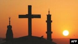 عبادت مسیحیان و مسلمانان زیر یک سقف