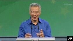 នាយករដ្ឋមន្រ្តី សិង្ហបុរី Lee Hsien Loong ថ្លែងសុន្ទរកថាបន្ត បន្ទាប់ពីលោកបានចុះពីវេទិកាមុននេះដោយសារតែ លោកសន្លប់ក្នុងកិច្ចប្រជុំថ្នាក់ជាតិប្រទេសសិង្ហបុរីកាលពីថ្ងៃទី២១ សីហា ២០១៦។