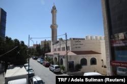 The Ta'la Al-Ali mosque stands in the Khalda neighbourhood of Amman, Jordan, Sept. 25, 2018.