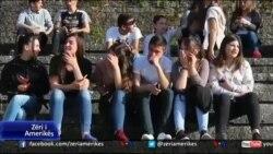 Prirja e të rinjve shqiptarë për të studiuar jashtë vendit