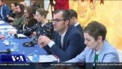 """Gazetarët protestojnë ndaj paketës """"anti-shpifje"""""""