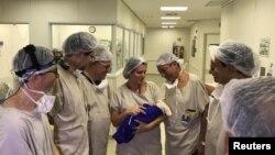 این نخستین نوزادی است که از رحم پیوندی فردی مرده، به شکل سالم بدنیا میآید