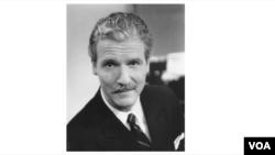 Robert Reilly, dirigiu a VOA em 2001-2002