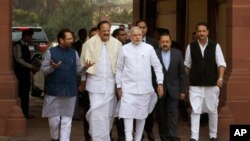 د هند صدراعظم نریندرا مودي او د هغه د کابینې وزیران