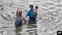 洪水已經影響曼谷居民。
