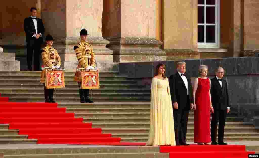 Donald Trump ve First Lady Melania Trump İngiltere'de...