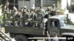 Lực lượng an ninh Syria (hình do người dân cung cấp), 14/8/2011