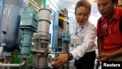 Một cuộc triển lãm điện hạt nhân tại Hà Nội, ngày 26/10/2012.