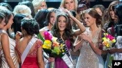ນາງງາມ Olivia Culpo ຈາກລັດ Rhode Island ຄ້ວາມົງກຸດ Miss USA 2012