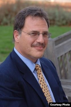 知名民主转型研究学者、斯坦福大学戴雅门教授(香港溯源书社图片)