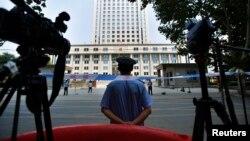 تصویری از مقابل دادگاه جینان در چین، اوت ۲۰۱۳، عکس از آرشیو