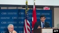 Dışişleri Bakanı Ahmet Davutoğlu Uluslararası ve Stratejik Araştırmalar Merkesi'ndeki konuşmasında