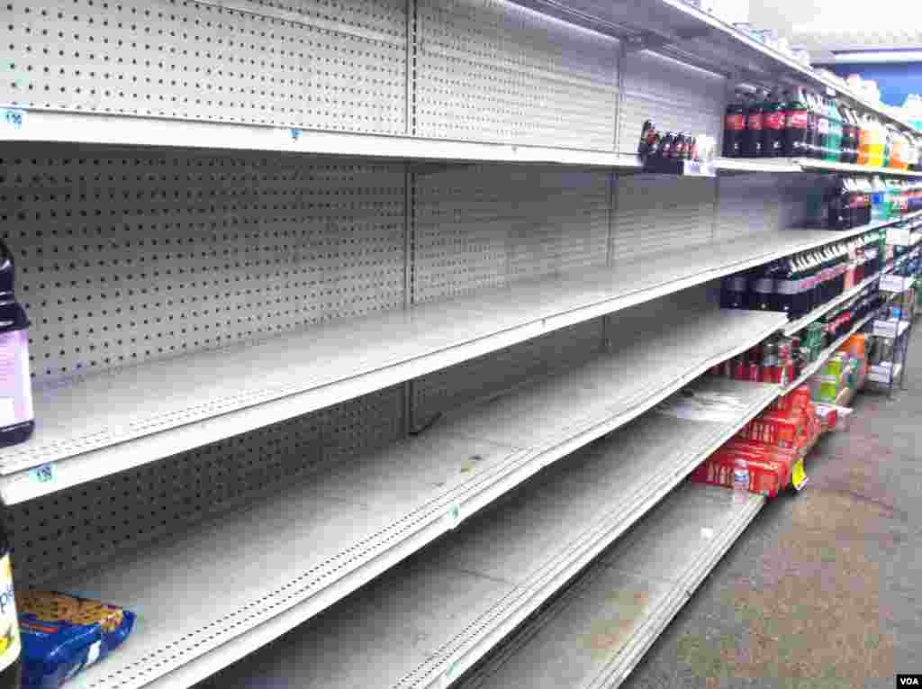 Some stores sold out their water hours before Sandy struck, Monday, October 29, 2012. (VOA / A. Phillips)