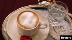 Los investigadores aseguran que la cafeína está asociada con la longevidad y ahora creen que podría tener algunos efectos positivos sobre la enfermedad de Alzheimer.