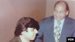 VOA's Subhash Vohra with Mohammad Rafi - London, 1977