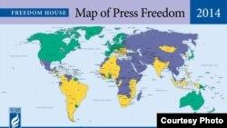自由之家2014年全球新闻自由度地图:绿色为享有新闻自由的国家或地区;黄色为享有部分新闻自由的国家或地区;蓝色为没有新闻自由的国家或地区 (资料来源: 自由之家)