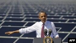 Барак Обама выступает на солнечной электростанции «Коппер Маунтин», Невада.