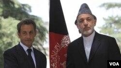 Afganistanski predsjednik je objavio smrt brata tijekom posjeta francuskog predsjednika Nicolasa Sarkozija