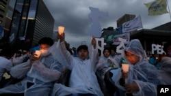 在川金峰會前,一些團體在南韓首都首爾舉行集會,敦促美朝領導人結束雙方的核對峙,並簽署和平條約。