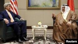 جان کری، در دیدار روز پنجشنبه با وزیر خارجه بحرین در منامه.