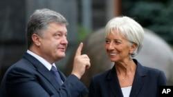 Петр Порошенко и директор-распорядитель Международного валютного фонда Кристин Лагард