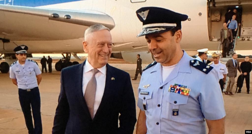 جیم متیس وزیر دفاع آمریکا که به کشور برزیل سفر کرده، از سوی مقام های محلی مورد استقبال قرار گرفت.