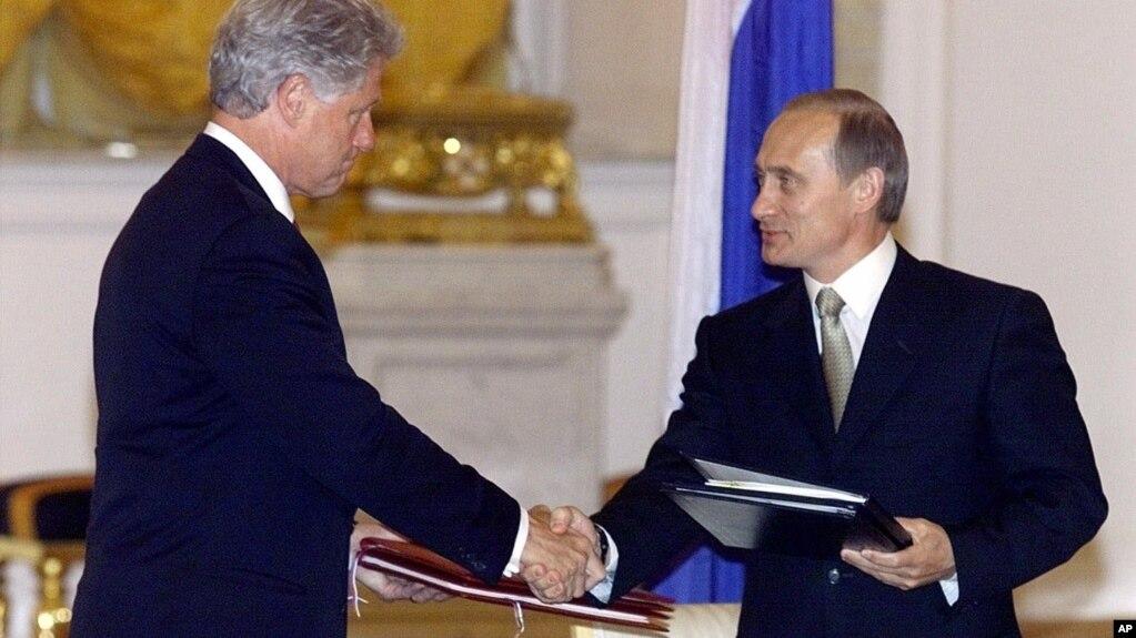 Resultado de imagen para Fotos de Bill Clinton (EE.UU) y Vladímir Putin (Rusia),