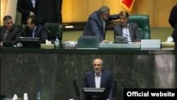 محمود گودرزی، وزیر ورزش و جوانان در مجلس
