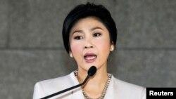 PM Thailand Yingluck Shinawatra mengatakan tidak akan menyerah pada tuntutan oposisi agar mundur dari jabatannya (foto: dok).