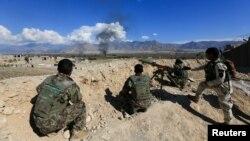 طالبان از شب گذشته حملات شان را بر مواضع اردوی ملی در کندهار و بادغیس آغاز کرده اند