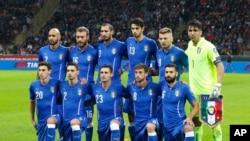 Les joueurs de la Nazionale, l'équipe nationale de l'Italie, lors d'un match au stade de Milan, 16 novembre 2014.