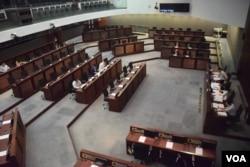 香港立法會教育事務委員會討論有關基本法教育的問題。(美國之音湯惠芸)