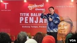 "Basuki Tjahaja Purnama saat menghadiri peluncuran buku ""Panggil Saya BTP, Perjalanan Psikologi Ahok Selama di Mako Brimob"" di kantor Media Tempo, Jakarta, Senin (17/2). (Foto: Sasmito)"