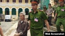 Ông Lưu Văn Vịnh tại tòa án ở Tp. HCM. Photo Báo NLD.