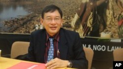 Mr. Lun Borithy, Executive Director of the Cooperation Committee for Cambodia, at the Washington, DC office of Oxfam America to discuss the proposed NGO law on August 12, 2011.