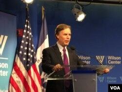 前美副国务卿伯恩斯在威尔逊国际学者中心发表演讲 (2016年5月6日,美国之音莉雅拍摄)