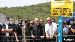 ARHIVA - Izraelski premijer Benjamin Netanjahu u poseti Maunt Meronu u severnom Izraelu gde se dogodio smrtonosni stampedo za vreme jednog verskog praznika, 30. aprila 2021.