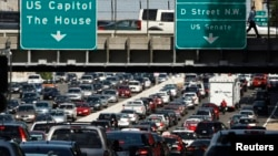 Las demoras en las carreteras consumen mucho del presupuesto de la familia promedio, a excepción de los gastos del alquiler o de la hipoteca.