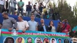 Millli Şuranın sədri Cəmil Həsənli çıxış edir