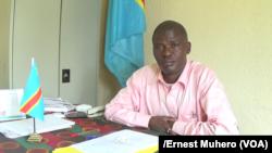 L'administrateur du territoire de Mwenga, Désiré Masumbuko, le 25 septembre 2017. (VOA/Ernest Muhero)