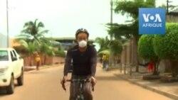 Un globe-trotter asiatique bloqué en Guinée avec son vélo