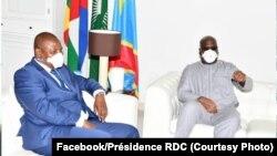 Président Félix Tshisekedi ayambi mokokani wa ye ekolo Centrafrique Fautsin-Archange Touadéra na N'Sele, Kinshasa, 22 avril 2020. (Facebook/Présidence RDC)