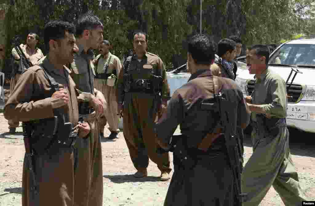 عراق کے خود مختار علاقے کردستان میں کرد فورسسز شدت پسندوں کے خلاف نبرد آزما ہیں۔